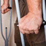 Симптоматика и способы лечения переломов шейки бедра